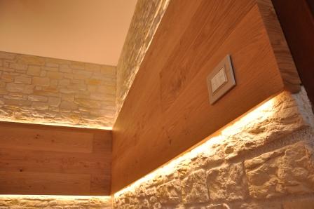 Parete in legno di Artigiana Arredamenti a Verona 1