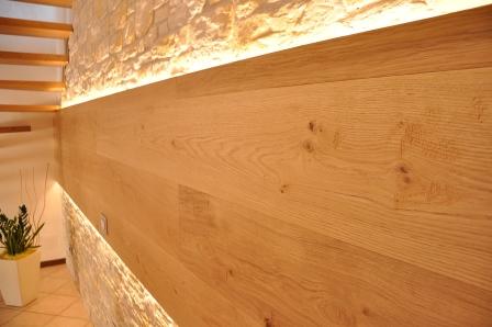 Parete in legno di Artigiana Arredamenti a Verona 2