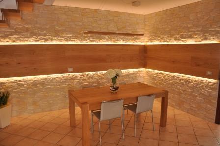Tavolo in legno di Artigiana Arredamenti a Verona 1