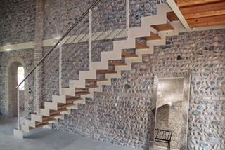 Scala in legno autoportante acciaio di Artigiana Arredamenti a Verona