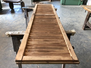 Scuri in legno esterni manutenzione di Artigiana Arredamenti a Verona