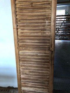 scuri in legno manutenzione di Artigiana Arredamenti a Verona
