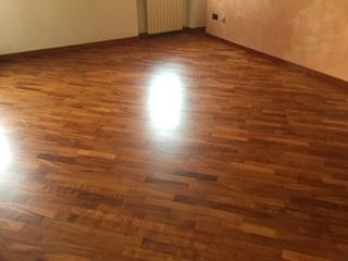 Manutenzione pavimento in legno di Artigiana Arredamenti a Verona 4