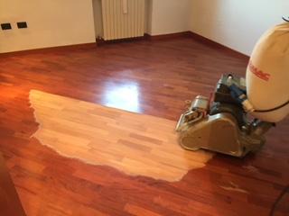 Manutenzione pavimento in legno di Artigiana Arredamenti a Verona 5